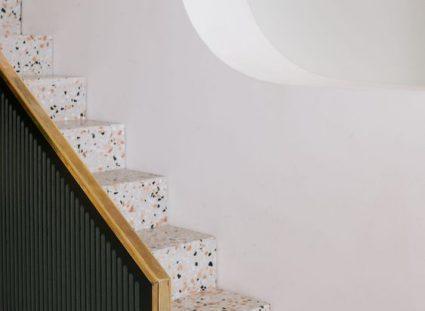 carrelage granito dans l'escalier