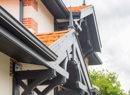 une maison arcachonnaise avec architecture detaillée