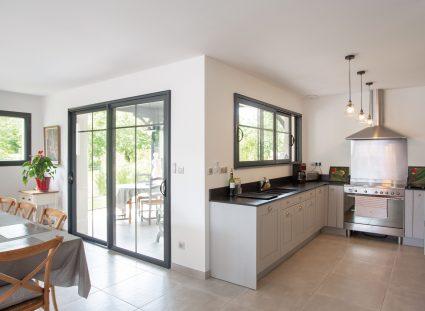 maison arcachonnaise avec cuisine ouverte