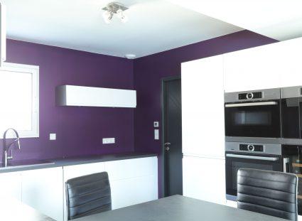 cuisine violette et blanche
