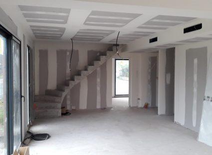 fin de la pose de l'escalier