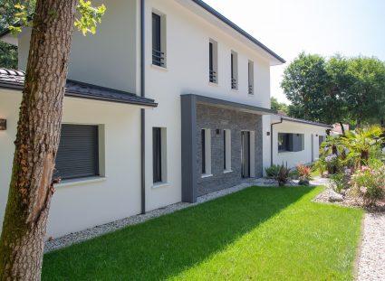 façade avant d'une maison design