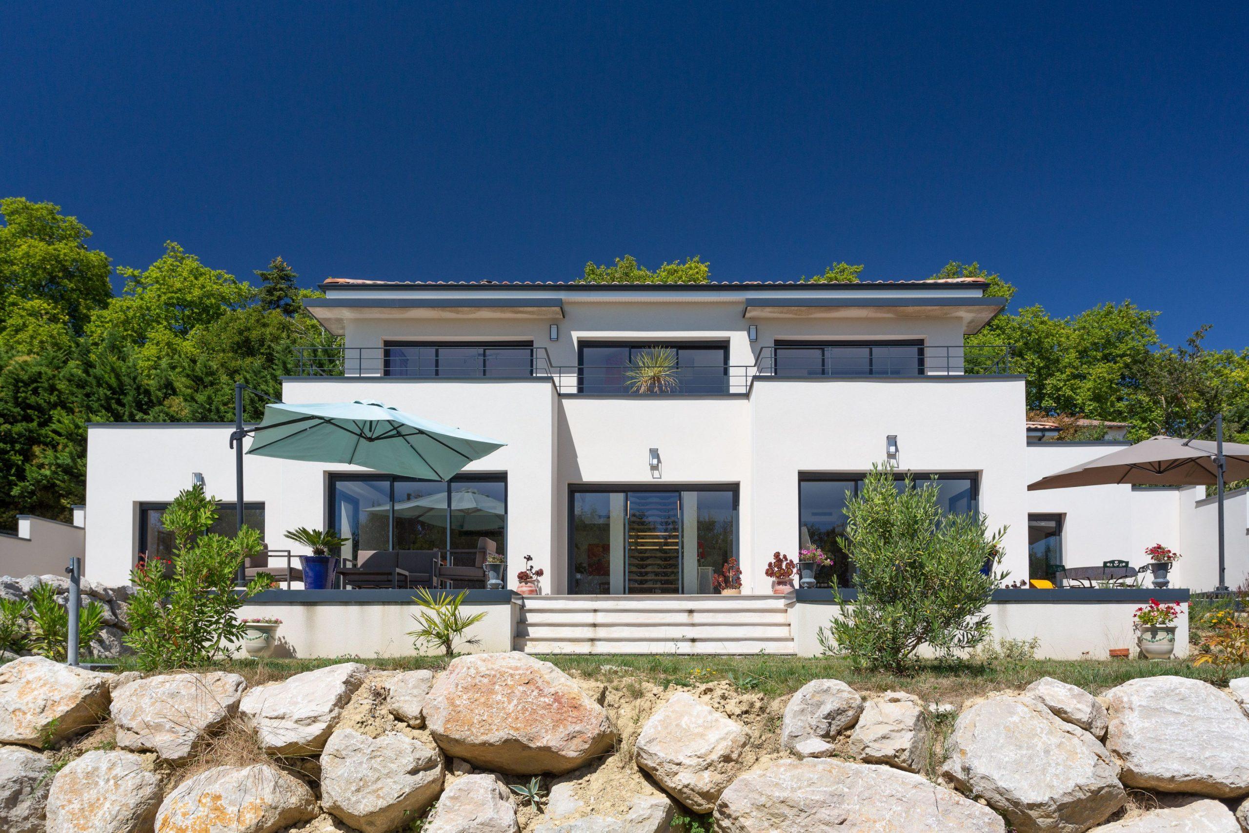 Façade d'une villa style californienne
