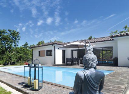 maison sur mesure avec terrasse et piscine