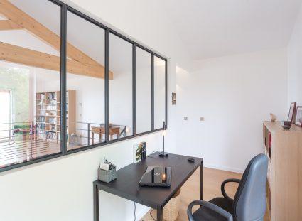 espace bureau et chambre amis