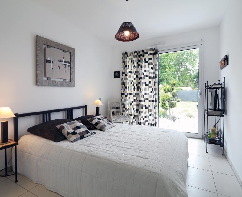 Aménager sa chambre : mettre les rideaux