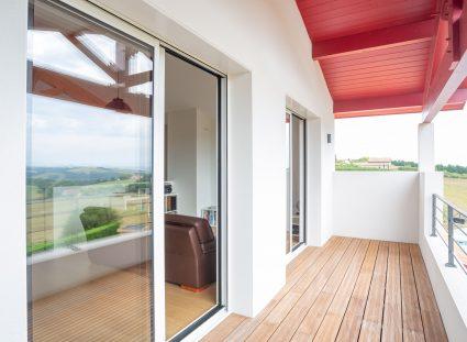 spacieux balcon terrasse