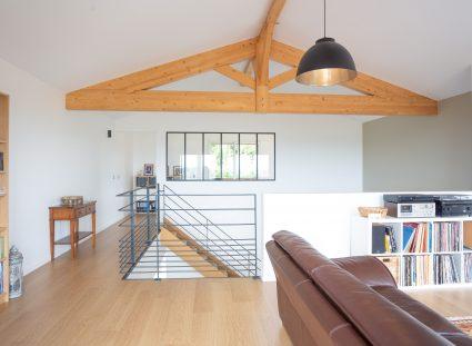 un étage en mezzanine dans la maison basque
