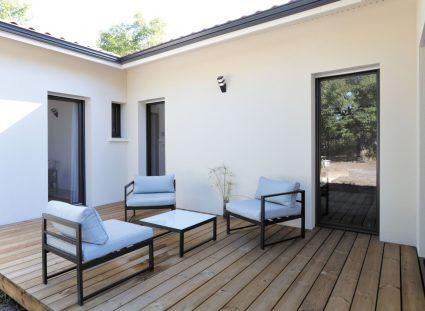 terrasse en bois pour une maison neuve