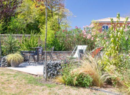 ravissante maison avec un jardin