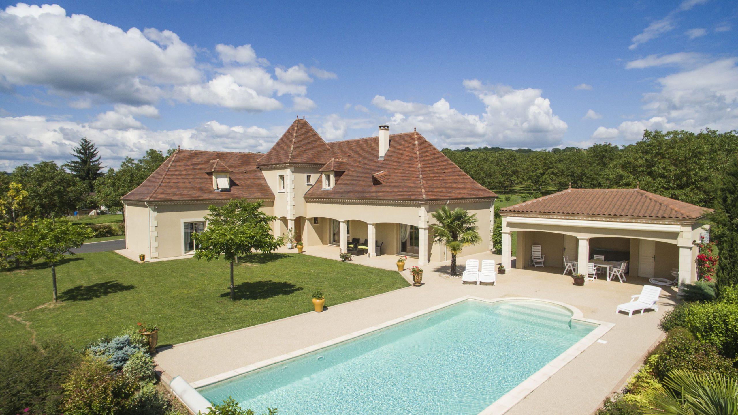 maison avec terrasse en beton